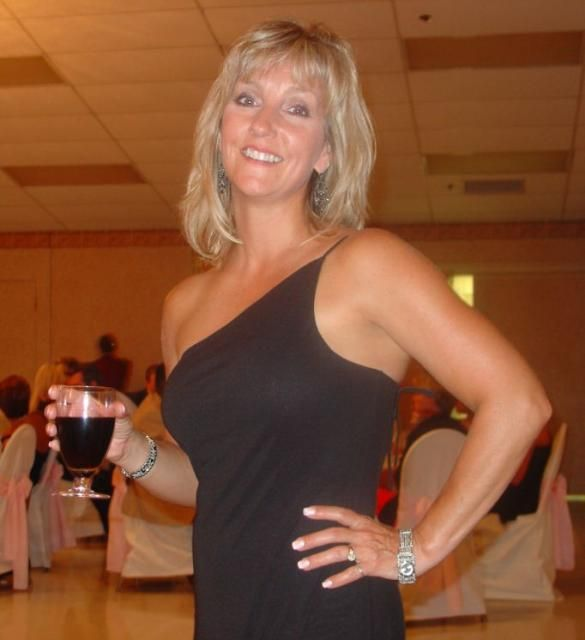 55 To 60 Divorced Affair Woman Looking For Sex