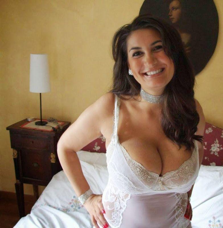 Spanish Perverted Brunette Dating Looking For Men
