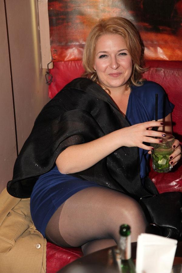 Rayelle Hookup Singles Looking Men Spanish For Drinks Dating Knightley