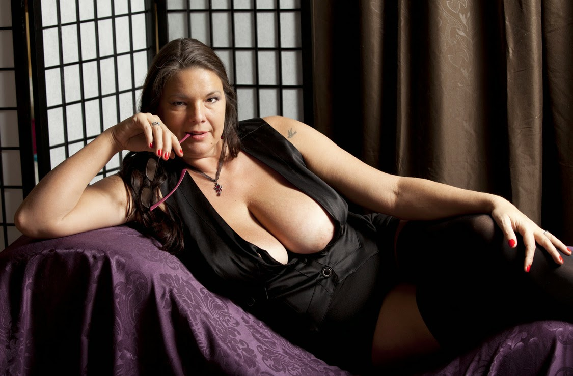 Ottawa Escort Look No Further 4 Ur