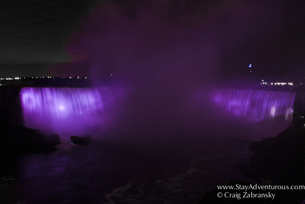 Blonde Niagara Stand Falls One-night Dating In Design