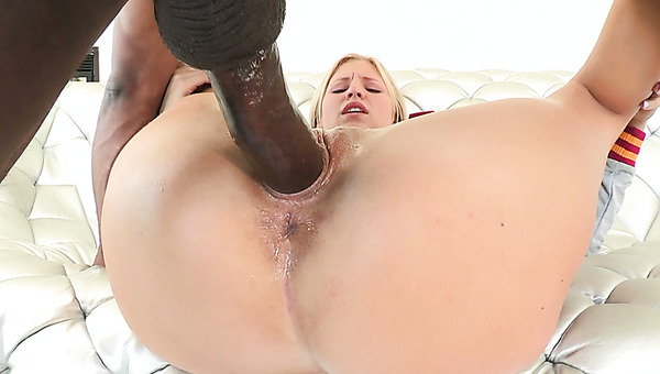 Perverted Blond Bitch Dating Looking For Sex