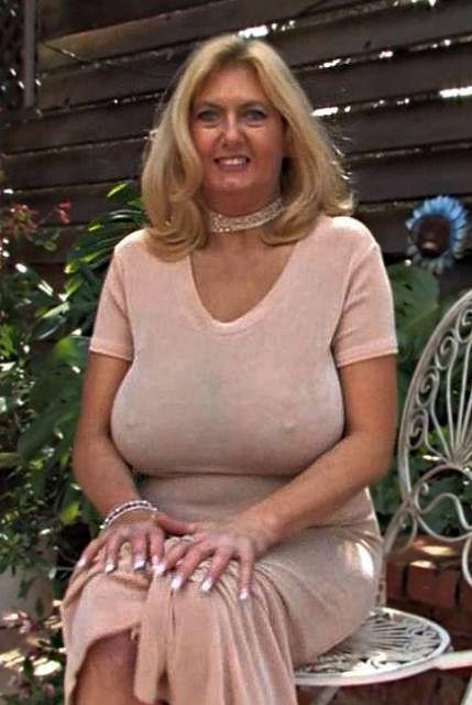 Citta Brunette Woman Man Seeking 55 60 To Local