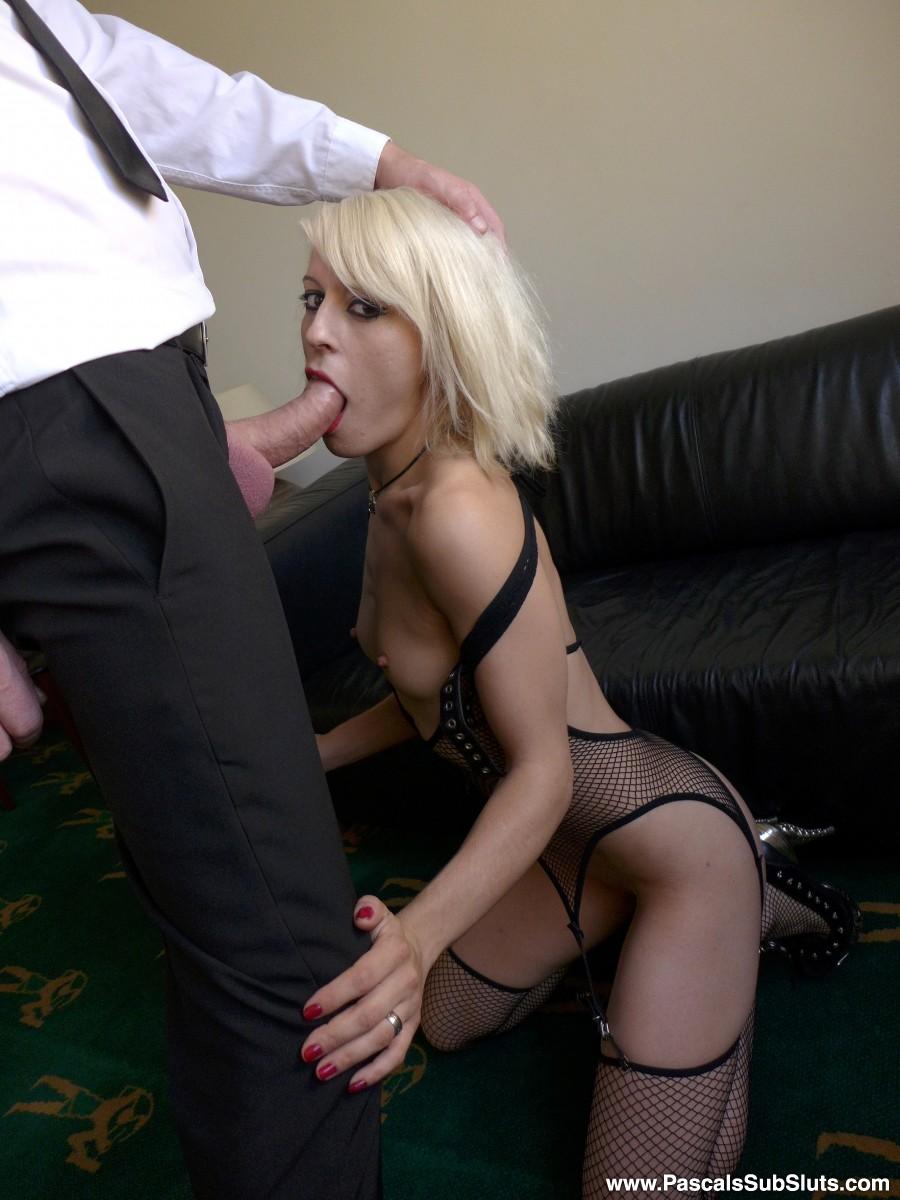 Spanish Kinky Blond Dating