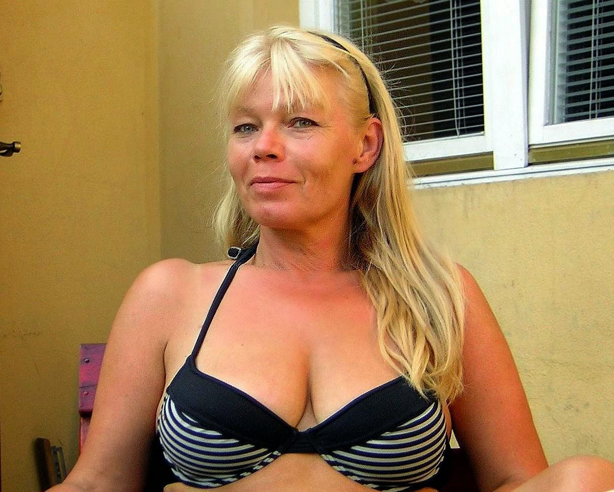 Atheist 50 To 55 Sexual Encounter Woman Seeking Man