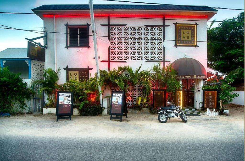 In Caribbean Martin Love Hotels Saint