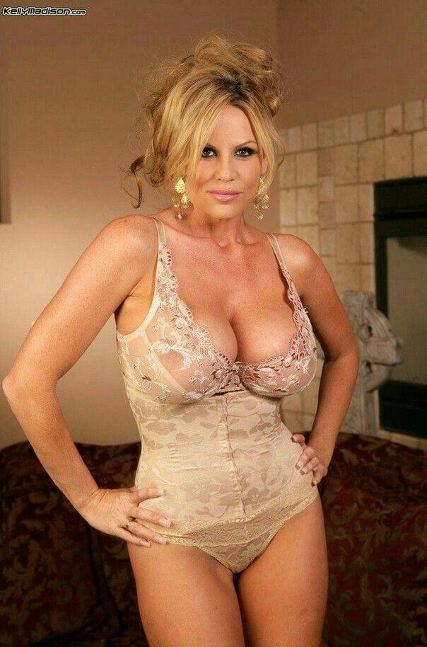 Slim 40 To 48 Kinky Woman Seeking Man