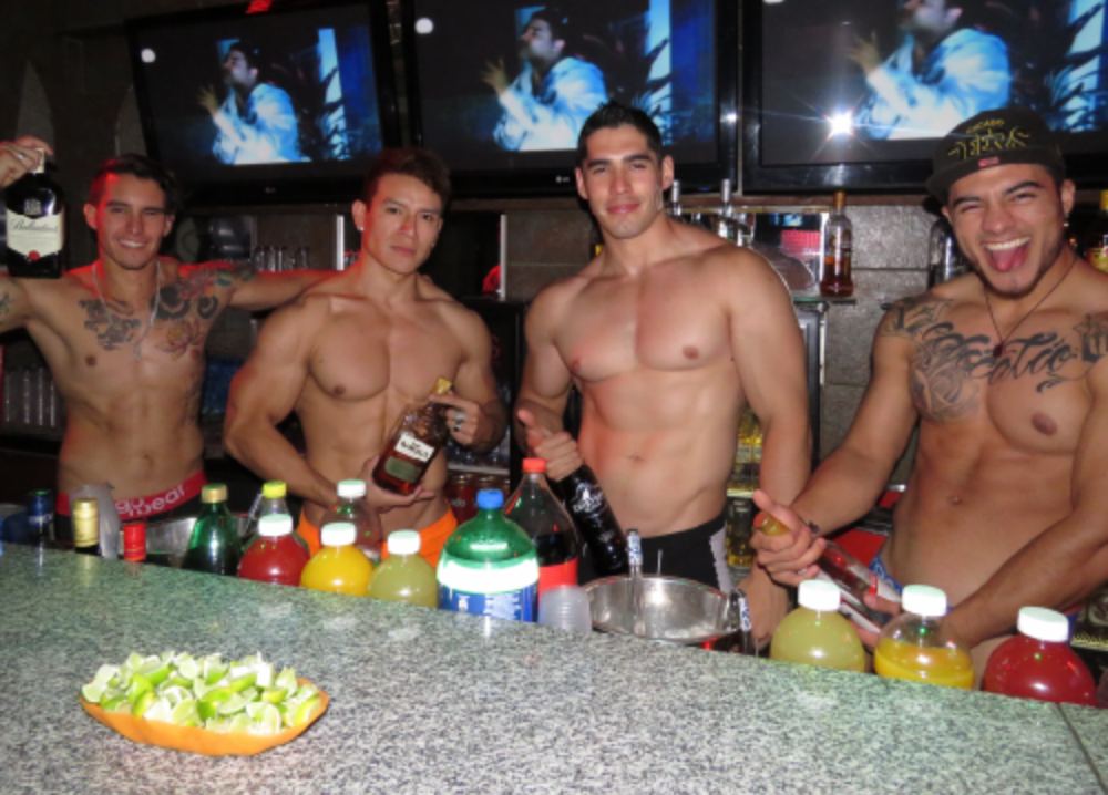Bar Gay Domingo Click Santo Pup