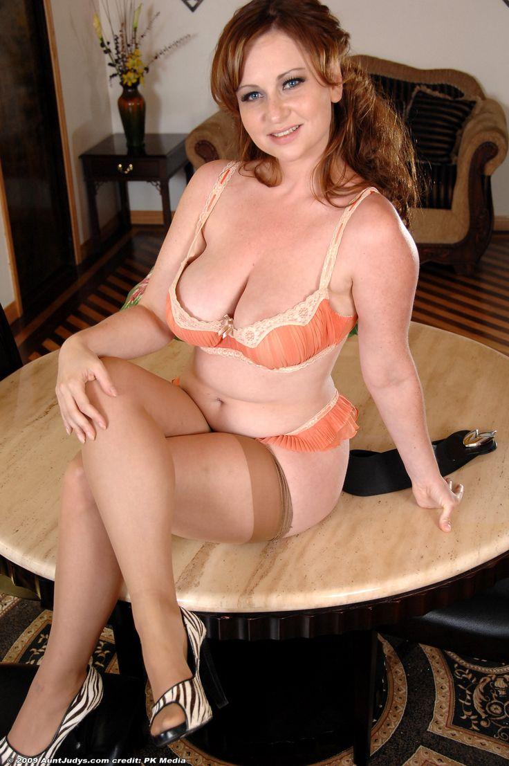 Eglinton Housewife Escort Scarlett