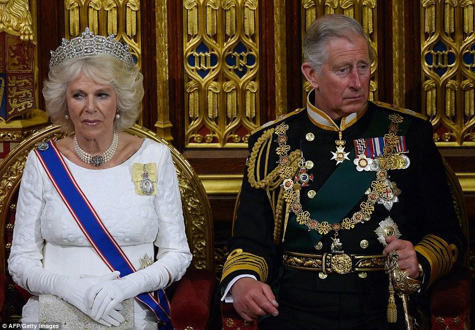 Housewife Parliament Escort Queen Fairfax
