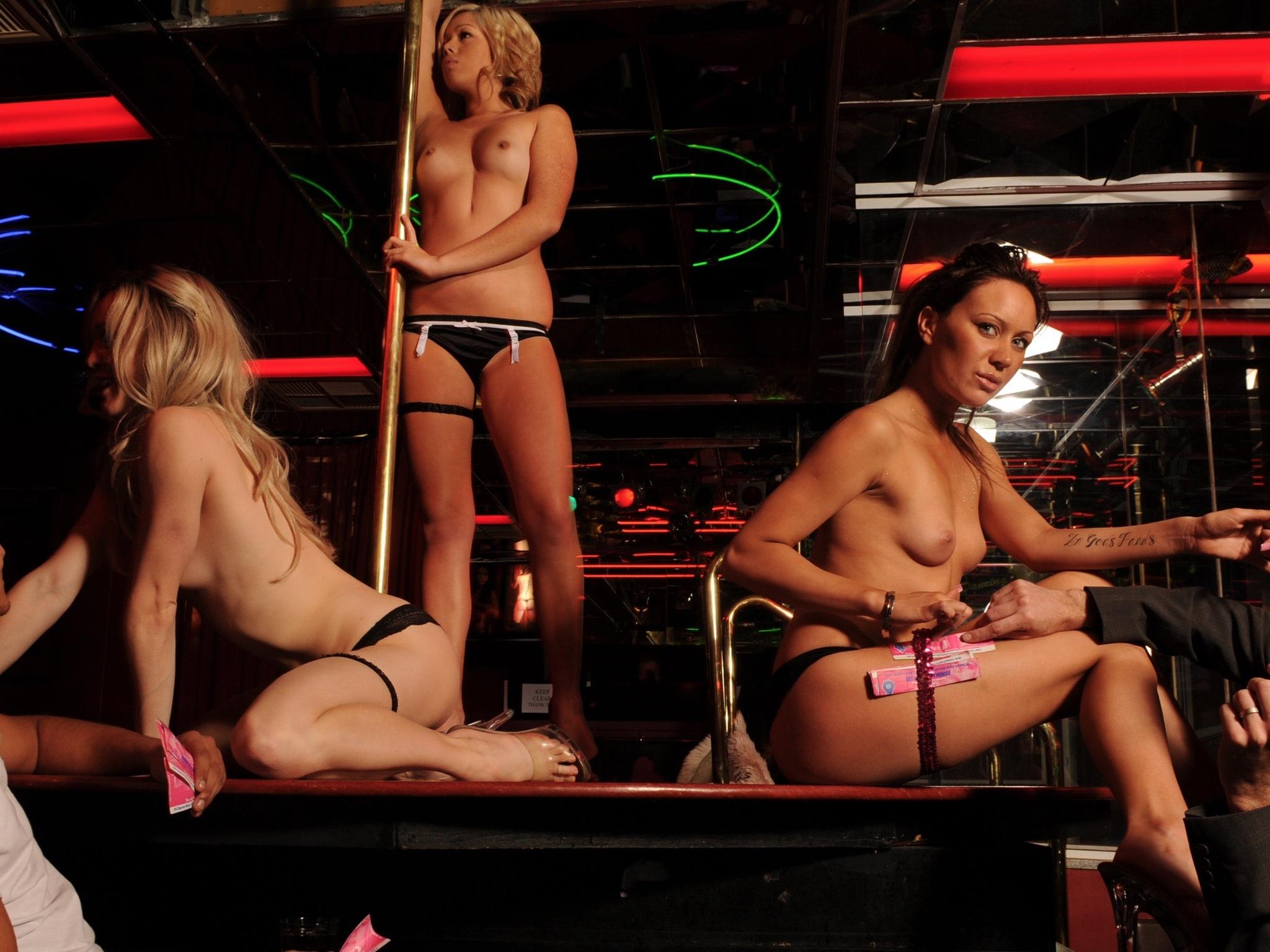 Warsaw Playhouse Strip Club Gentlemens Cou