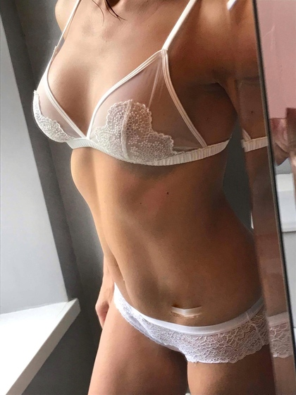 Sex Single 65 Slim Woman For 70 Stand To Looking One-night