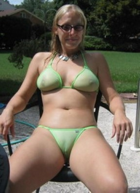 Woman Kitchener In Slim Guy Seeking